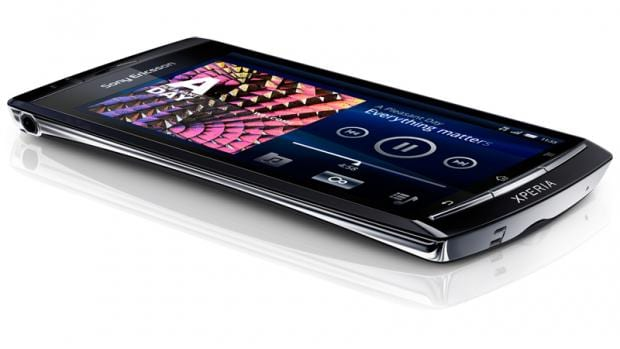 Clove confirms Sony Ericsson Neo and Xperia Play delays