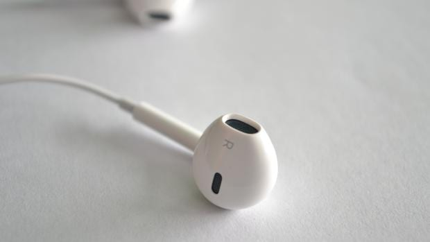 Apple's EarBuds have quite a few nifty tricks up their sleeve  If