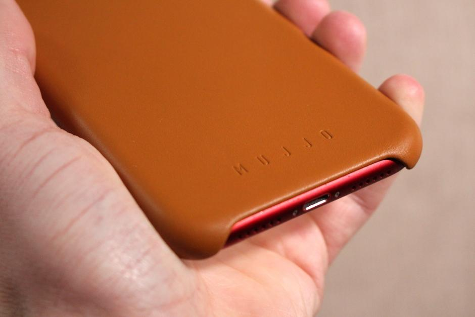 Mujjo iPhone XR Case Review - Good-Looking Protection