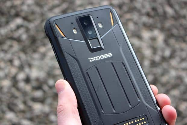 Doogee S90 Review - The 'Schwarzenegger' Phone | Know Your