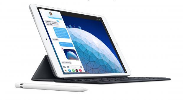 Apple's 10.5in iPad Air vs The 9.7in iPad