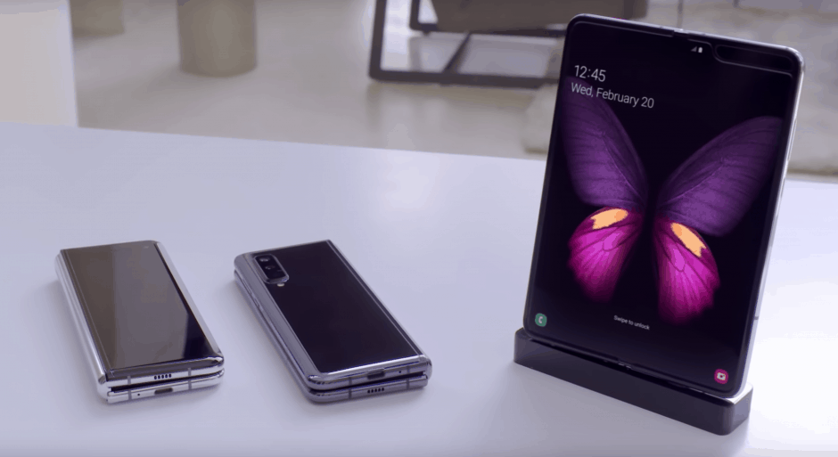 Apple Co-Founder Wants A Folding iPhone