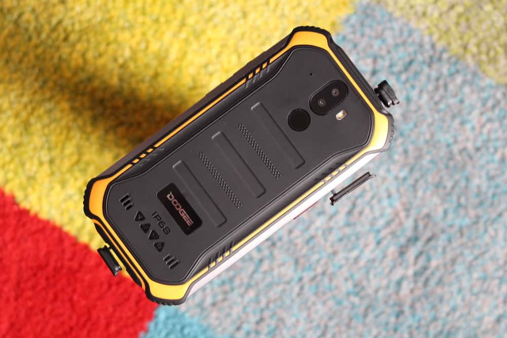 Doogee S40 Review - Rugged And Cheap, But Not Much Else