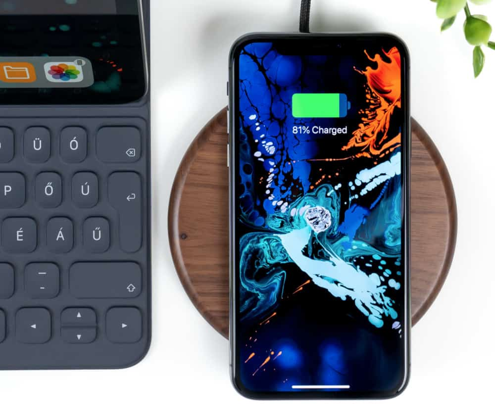 iphone-xs-actually-worth-buying-in-2020-1