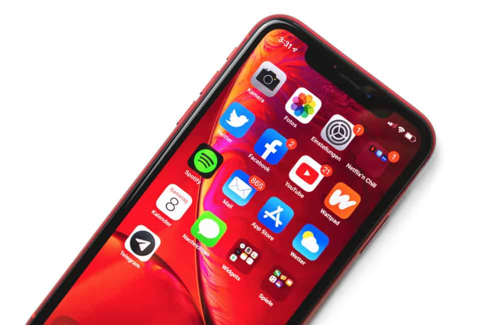 Should You Buy Refurbished iPhone XR In 2020? PROS & CONS...