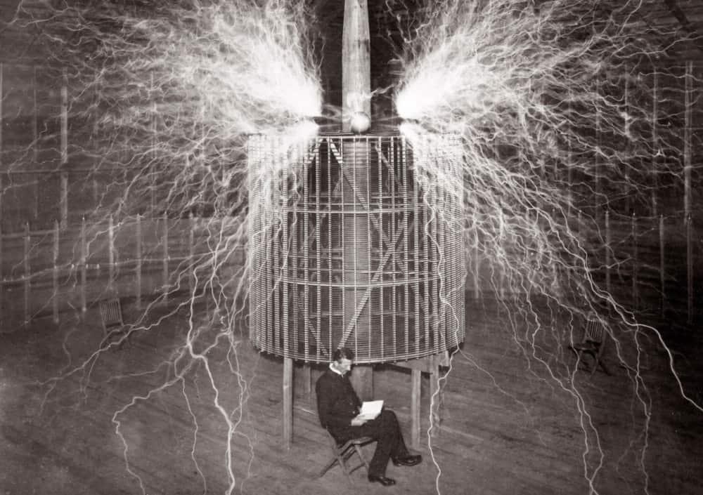 nikola-tesla-accurately-predicted-iphone-in-1926-1