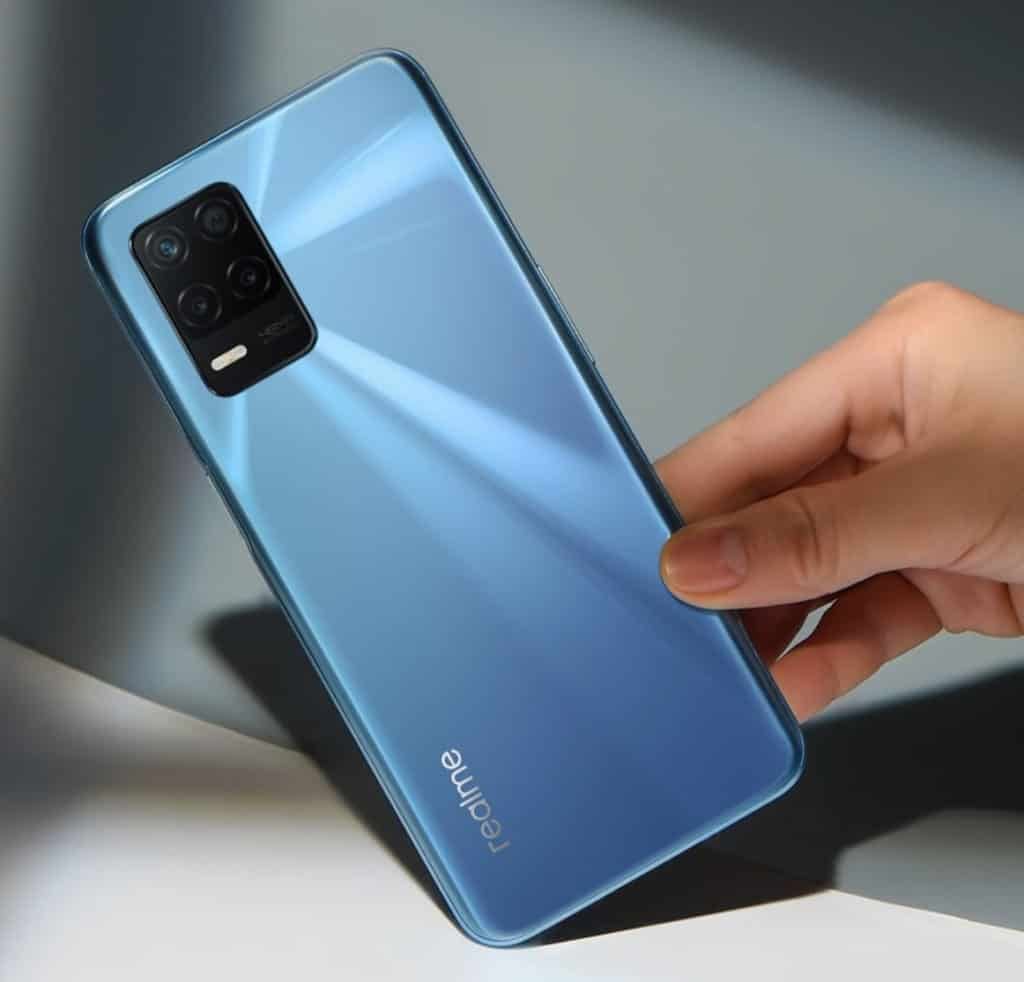 Why The RealMe 8 5G is Worth Your Time & Money